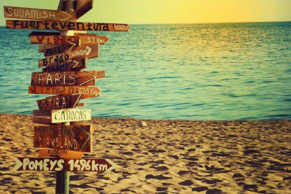 panneau_avec_des_destinations
