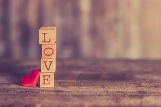 4_cubes_avec_love