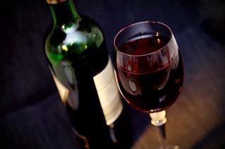 bouteille_et_verre_de_vin