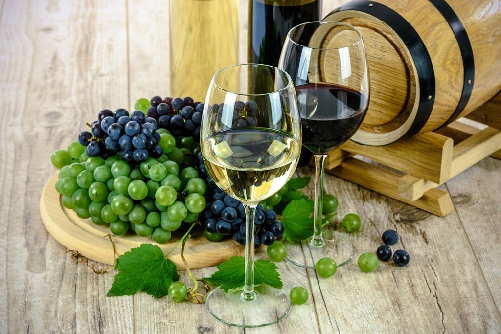 raisins_et_verres_de_vin