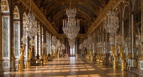 la_galerie_des_glaces_du_chateau_de_versailles